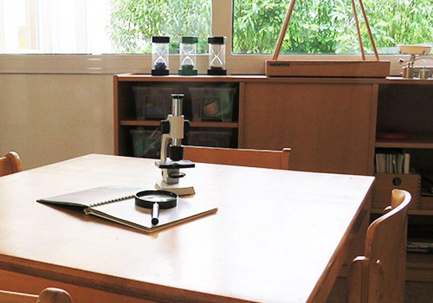 Experementier-Tisch